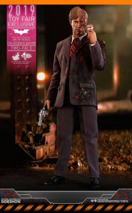 Figurine Two-Face Toy Fair Exclusive Hot Toys