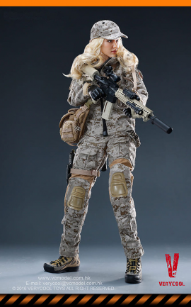 Figurine Camouflage Women Soldier